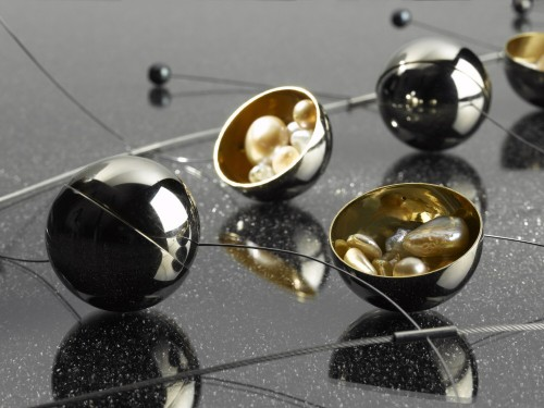 http://perles.effisk.net/blog/images/bijoux/golay/prix-golay-2007/jury-a-3.PV__.jpg
